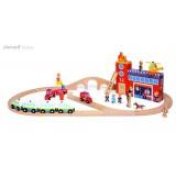 Puidust tuletõrjujate rongikomplekt raudteega